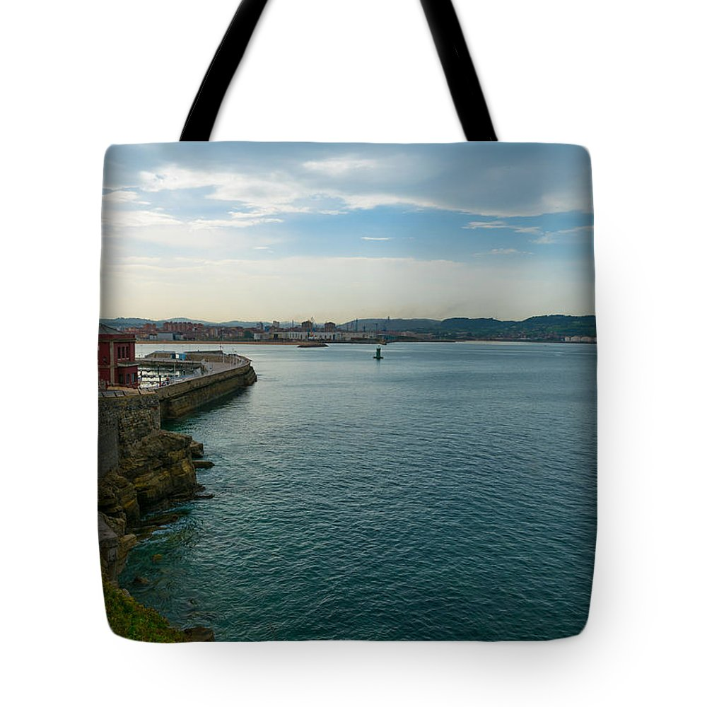 Spain Tote Bag featuring the photograph Coastline Of The Bay by Ric Schafer