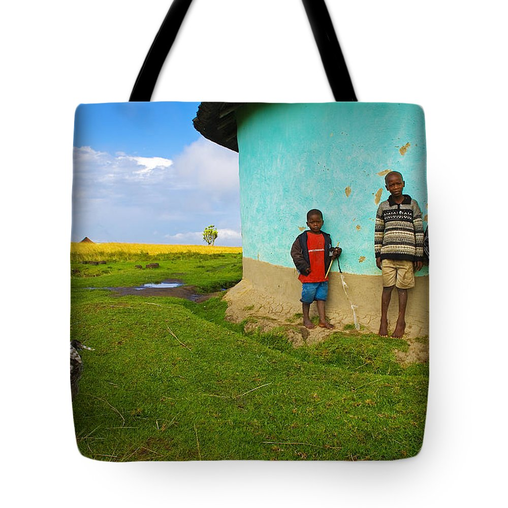 Skip Tote Bag featuring the photograph Cocky by Skip Hunt
