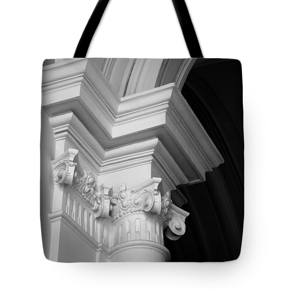 Architectural Elements Tote Bag featuring the photograph Columns At Hermitage by Donna Corless