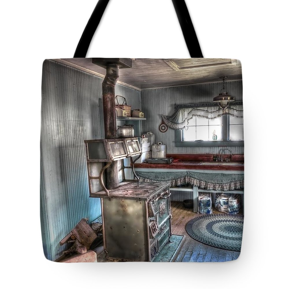 4x4 Tote Bag featuring the photograph Come And Get It by Backcountry Explorers