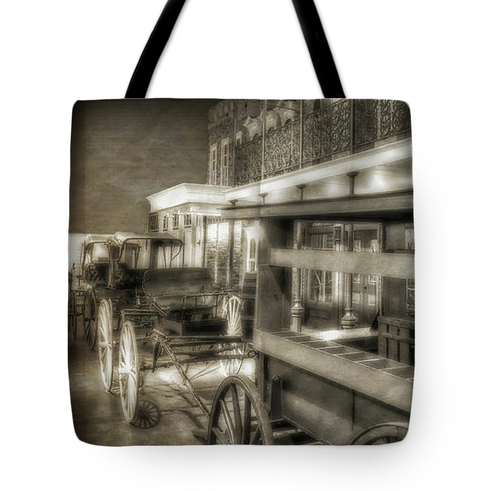 Pensacola Tote Bag featuring the photograph Commerce Museum by Joseph Rainey