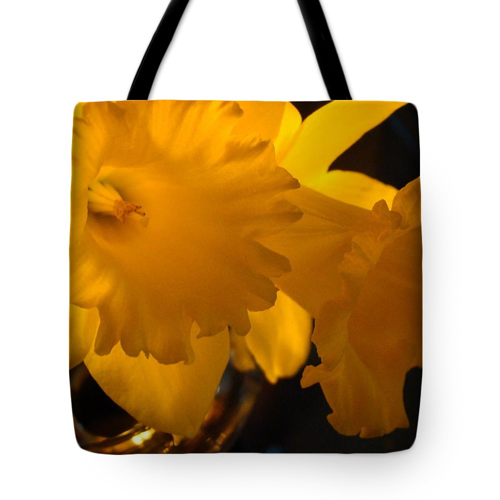 �daffodils Artwork� Tote Bag featuring the photograph Contemporary Flower Artwork 10 Daffodil Flowers Evening Glow by Baslee Troutman