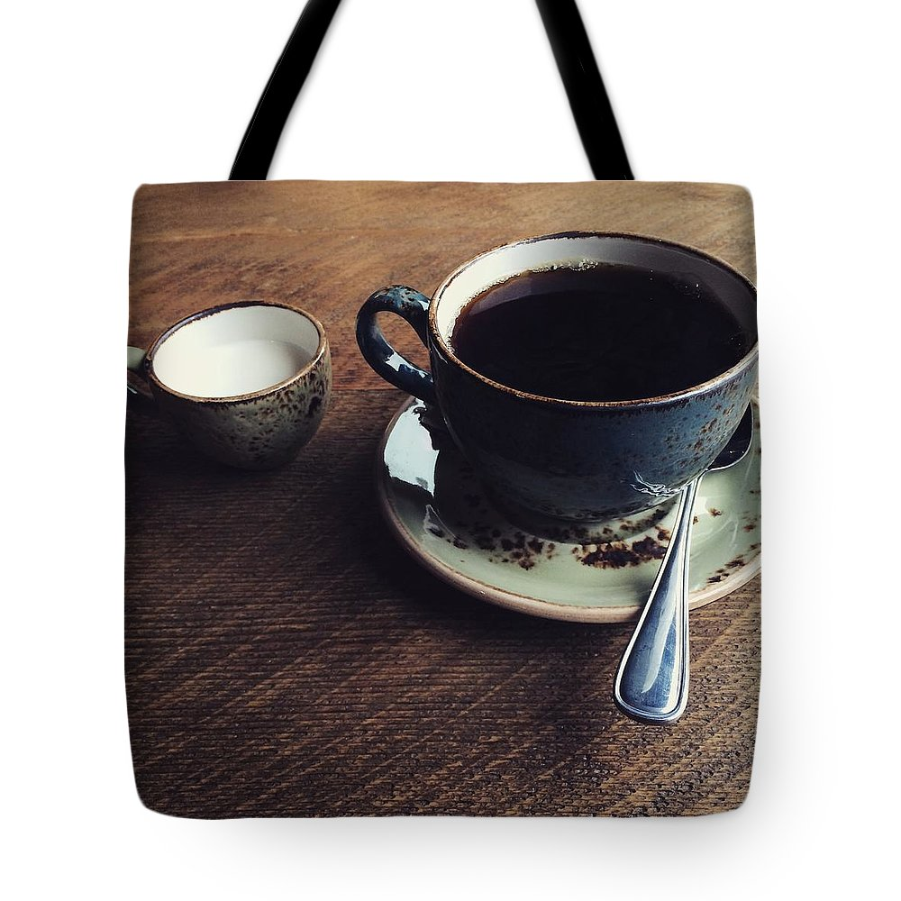 Hostel Coffee Rustic Tote Bag featuring the photograph Conversations Over Coffee by Naomi Ewaskow