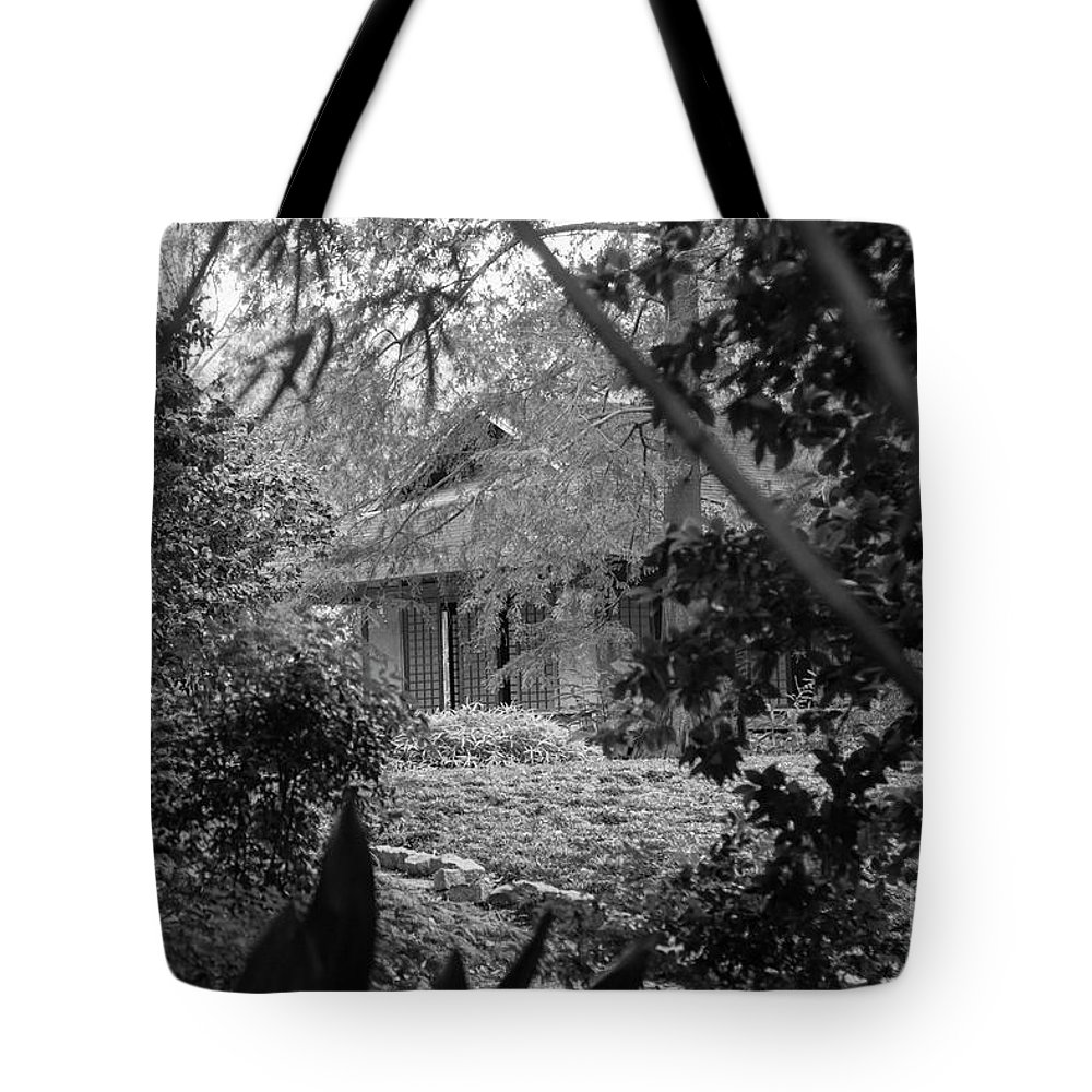 Landscape Tote Bag featuring the photograph Cottage Black White Gardens Louisiana by Chuck Kuhn