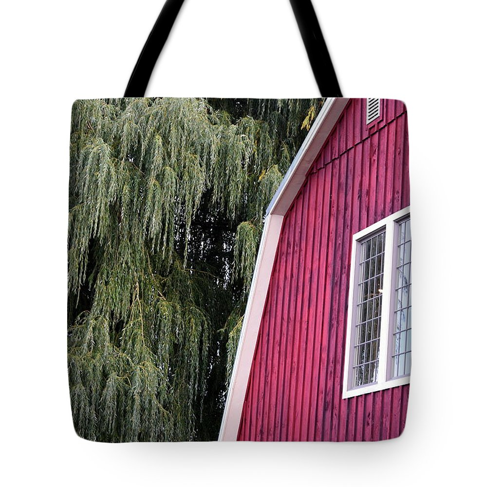 Barn Tote Bag featuring the photograph Country Barn by Joseph C Santos