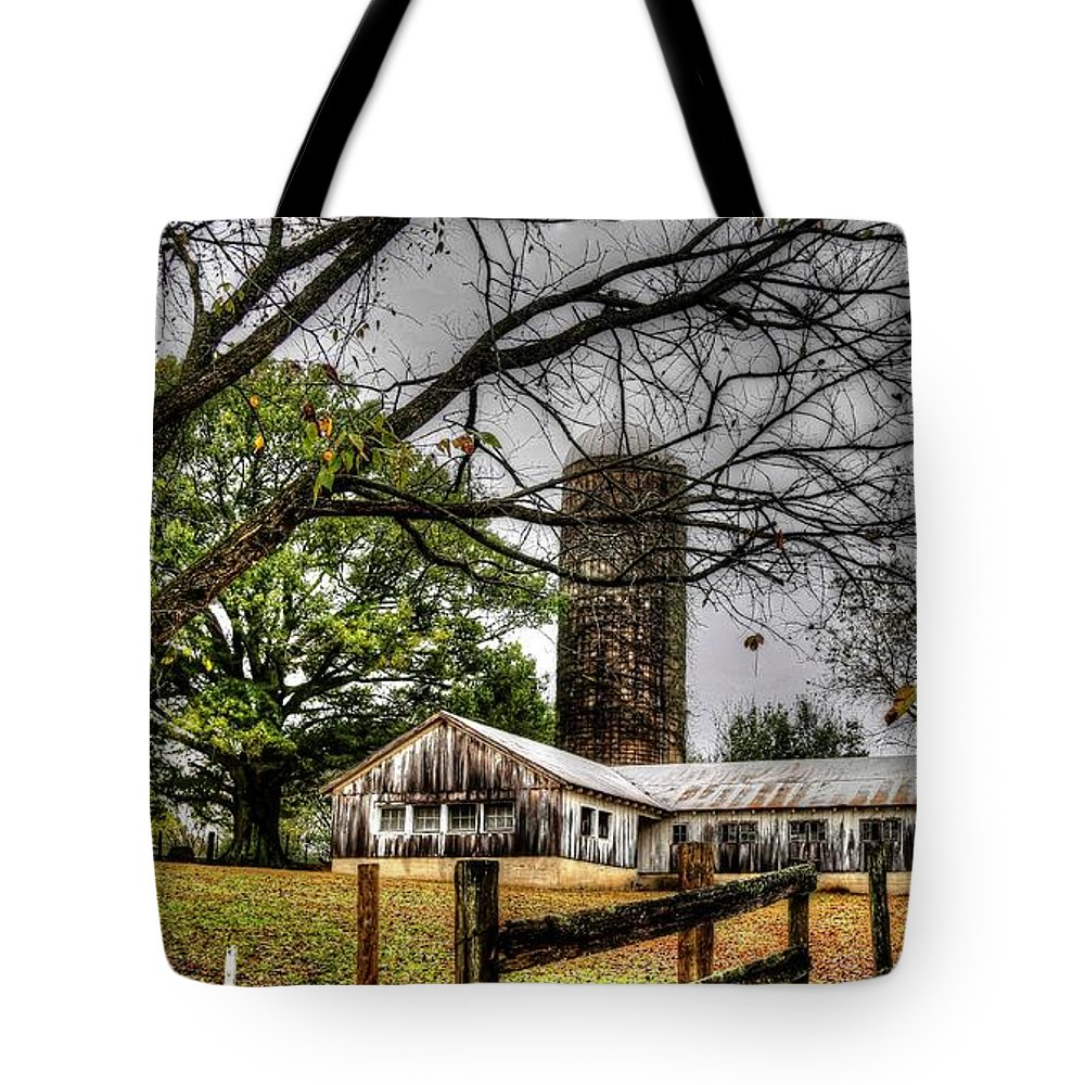 Memphis Tote Bag featuring the photograph Country Farm Near Collierville, Tn by Billy Morris