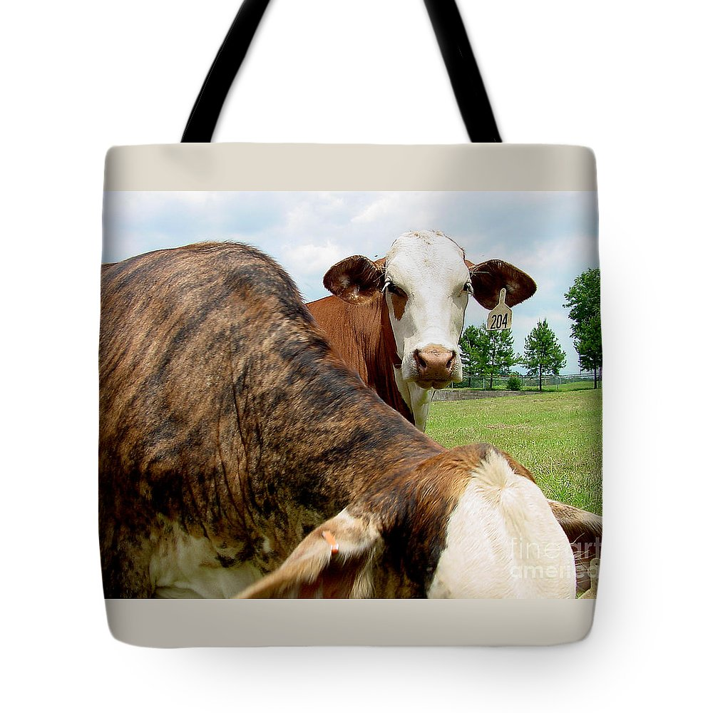 Cow Tote Bag featuring the photograph Cows8938 by Gary Gingrich Galleries