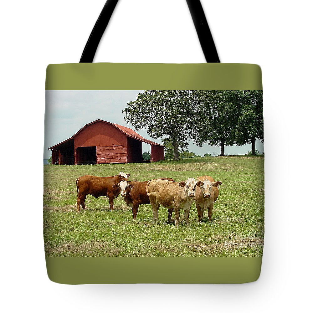 Cow Tote Bag featuring the photograph Cows8954 by Gary Gingrich Galleries