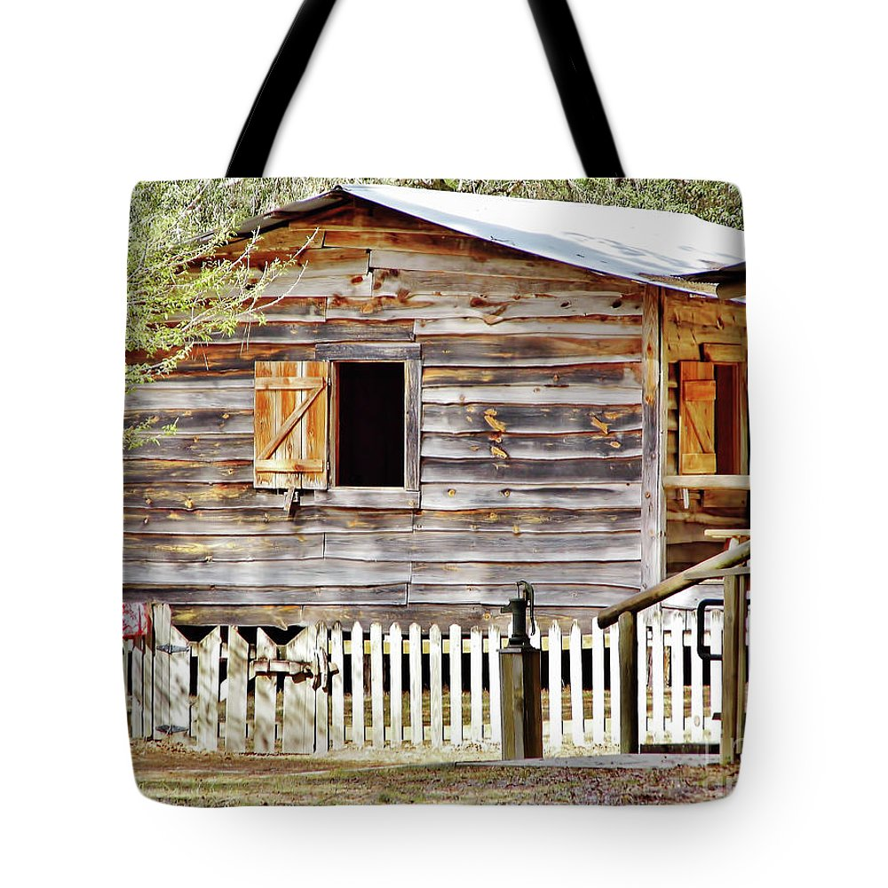 Home Tote Bag featuring the photograph Cracker Cabin by D Hackett