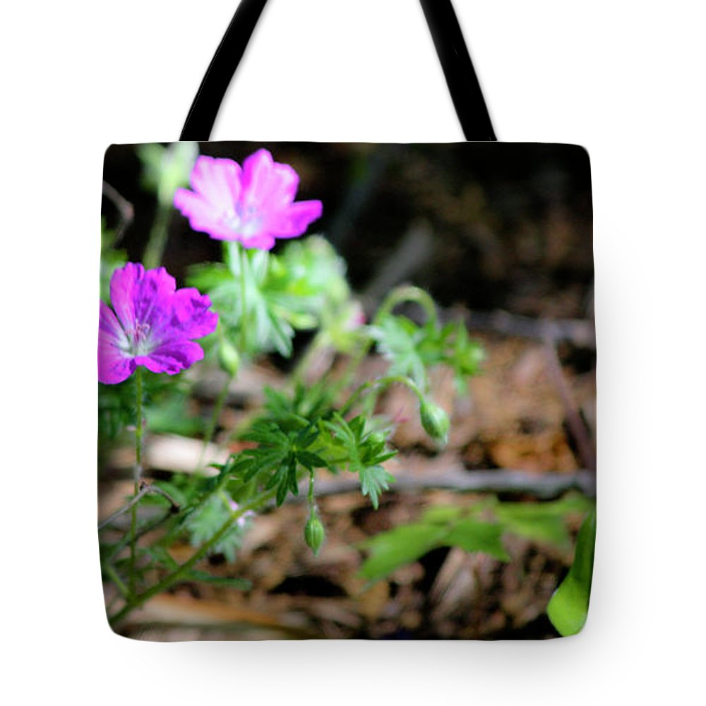 Cranesbill Tote Bag featuring the photograph Cranesbill by Teresa Mucha
