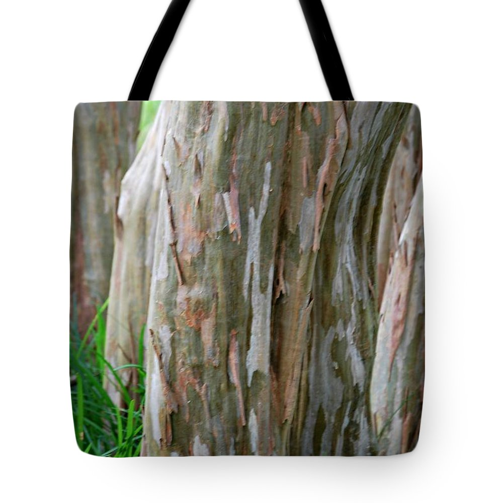 Crepe Myrtle Tote Bag featuring the photograph Crepe Myrtle Tree Bark by Barbara Woodson