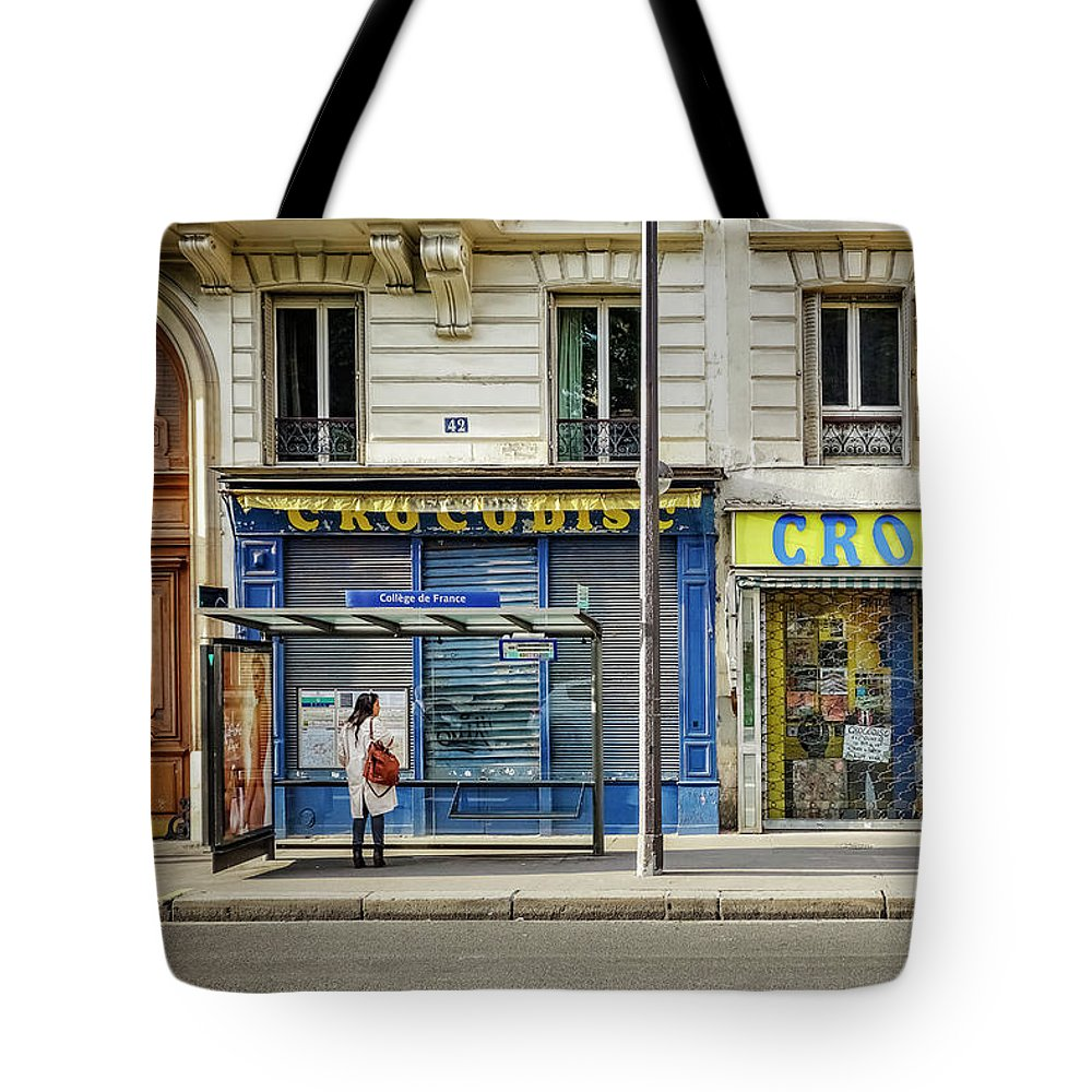 Paris Tote Bag featuring the photograph Croco Disc by David Thompson