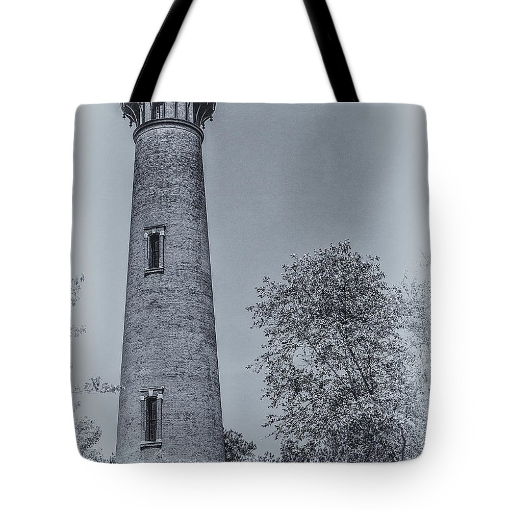 Currituck Beach Lighthouse Tote Bag featuring the digital art Currituck Beach Lighthouse 2 by Randy Steele