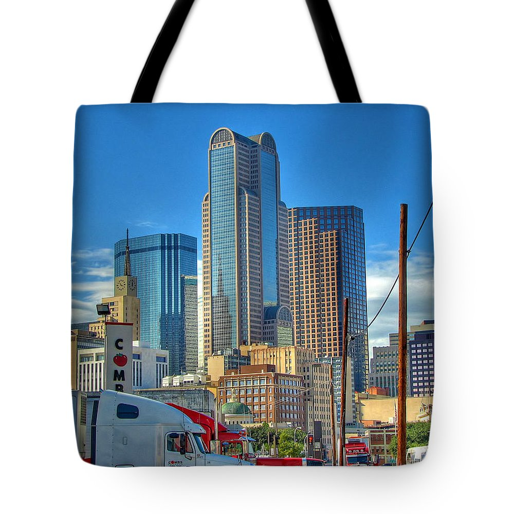 Dallas Tote Bag featuring the photograph Dallas Morning Skyline by Farol Tomson