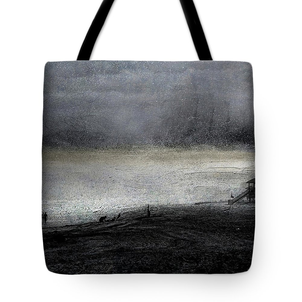 Beach Tote Bag featuring the photograph Dark Sunrise by Pete Rems