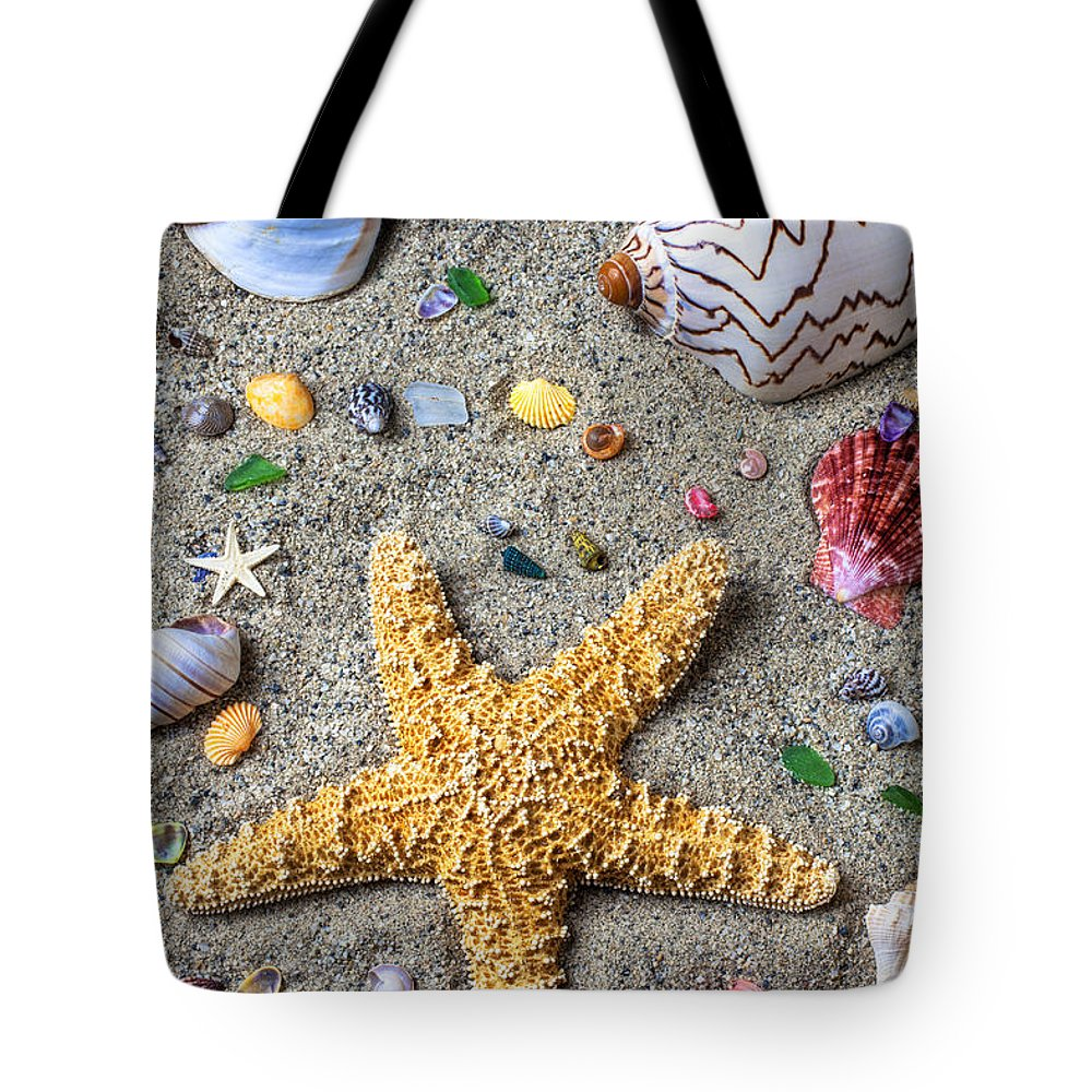 Starfish Tote Bag featuring the photograph Day At The Beach by Garry Gay