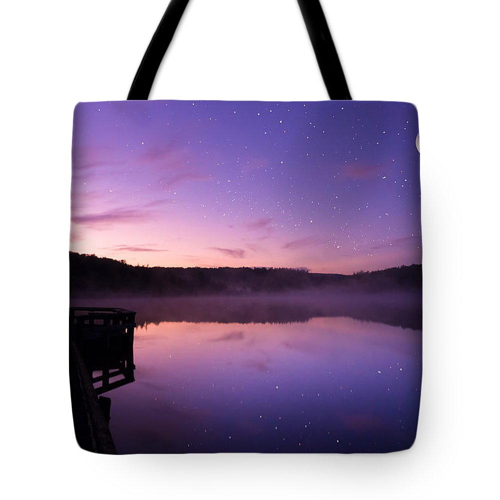 Day Tote Bag featuring the photograph Daybreak by Amanda Jones