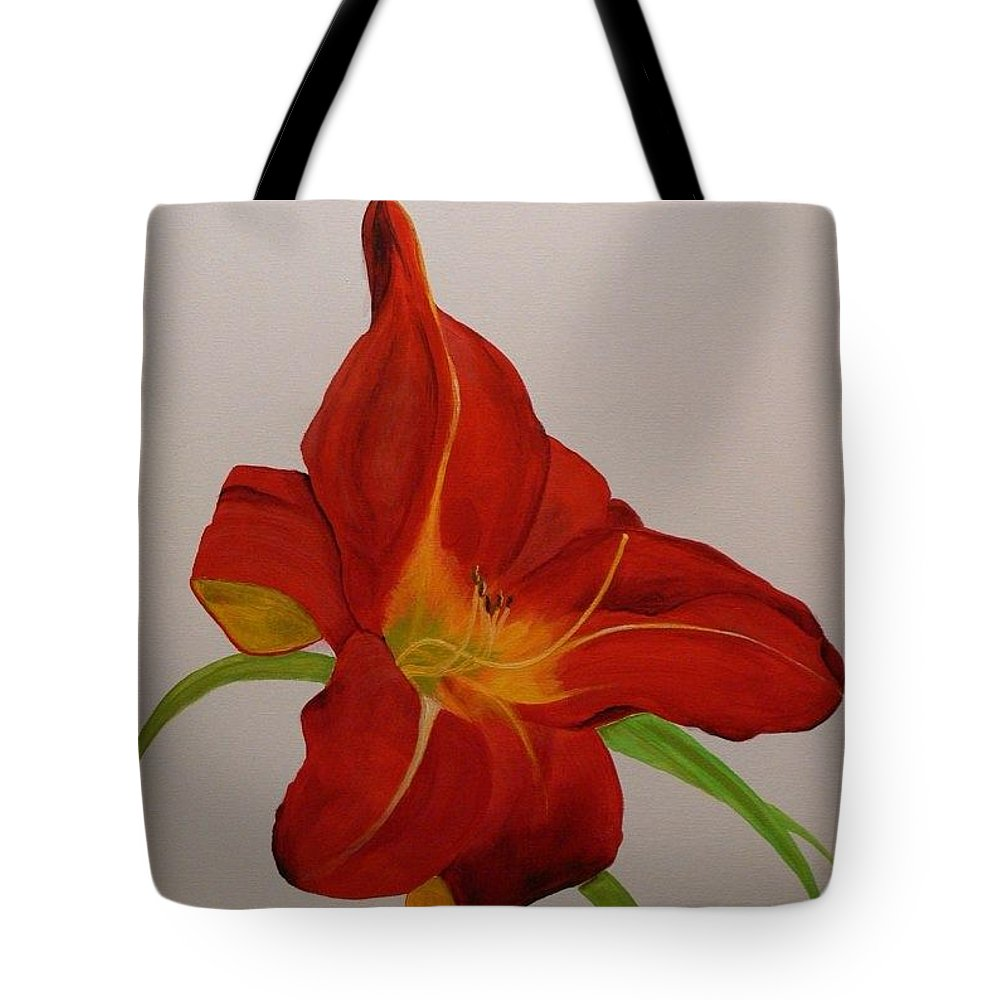 Daylilly Tote Bag featuring the painting Daylilly In Red by Serina Wells