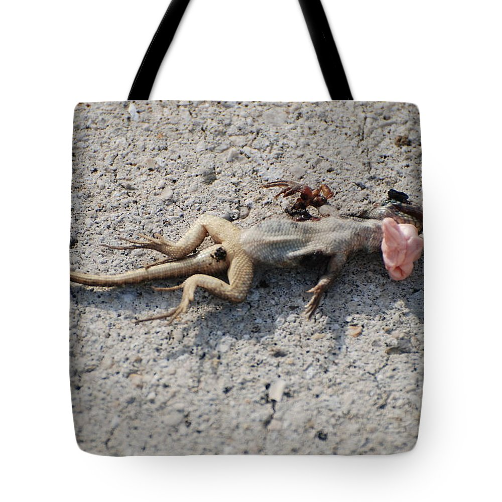 Lizards Tote Bag featuring the photograph Death By Gum by Rob Hans