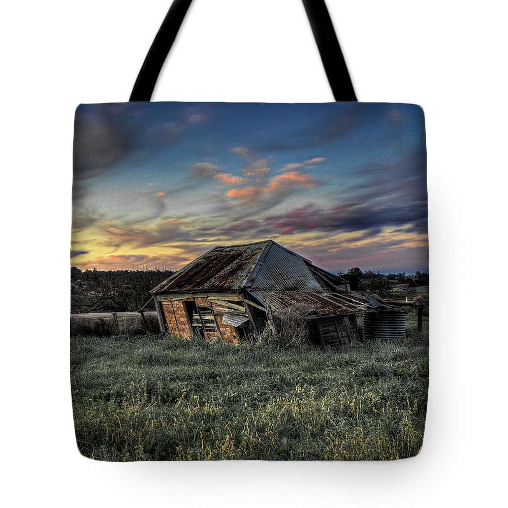 House Tote Bag featuring the photograph Decaying Cottage by Clayton Curran