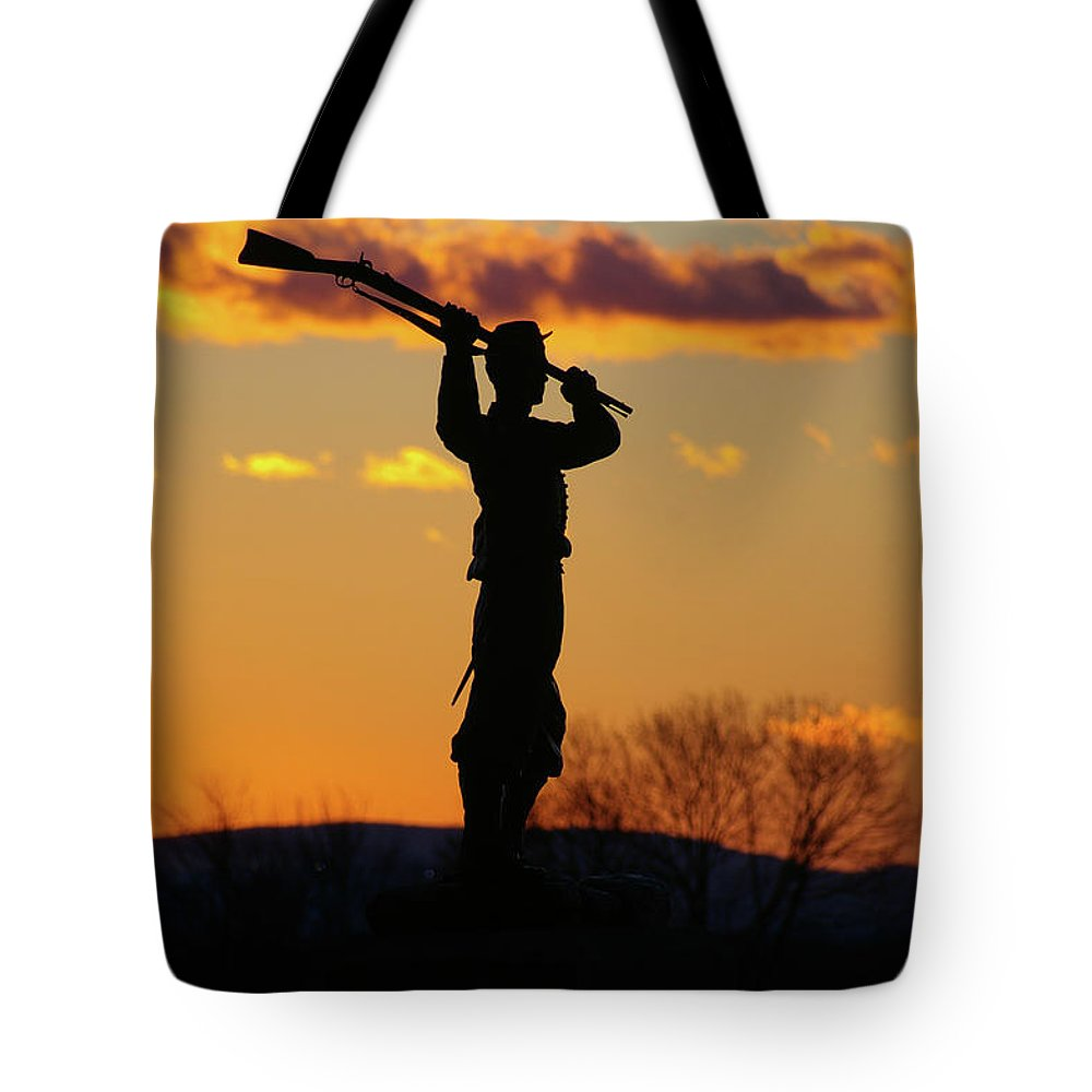 Gettysburg Tote Bag featuring the photograph Defending The Union by Jen Goellnitz