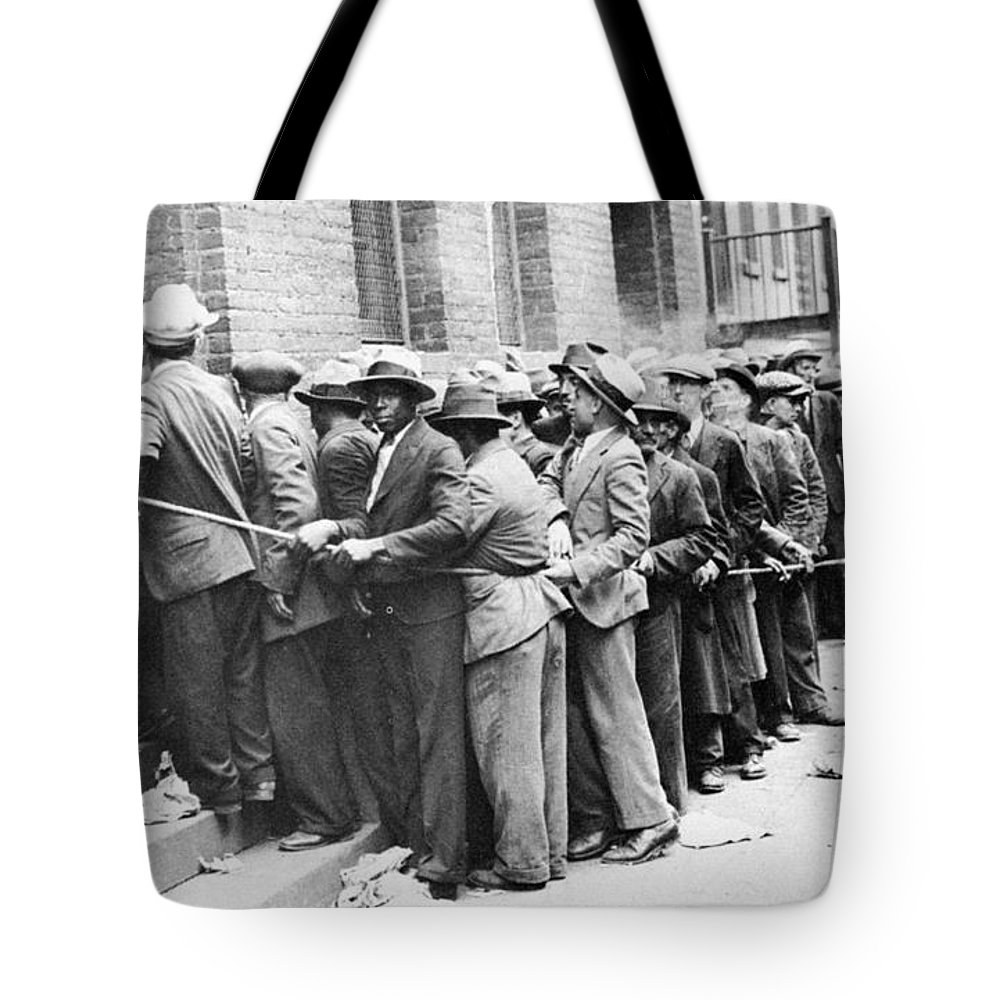 1931 Tote Bag featuring the photograph Depression: Harlem, 1931 by Granger