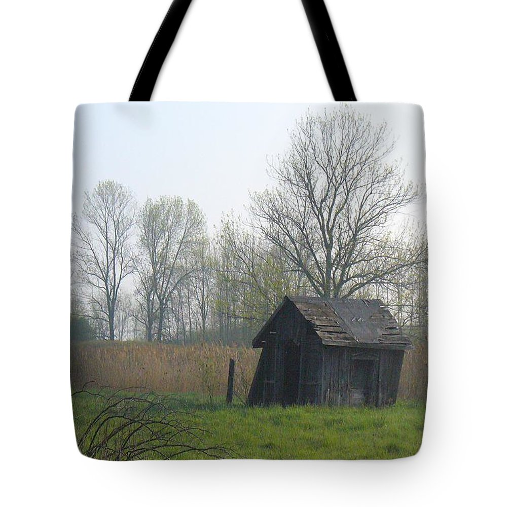Nature Tote Bag featuring the photograph Derelict by Peggy King
