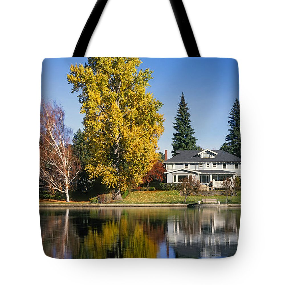 Autumn Color Change Tote Bag featuring the photograph Deschutes River, Bend, Oregon by Buddy Mays