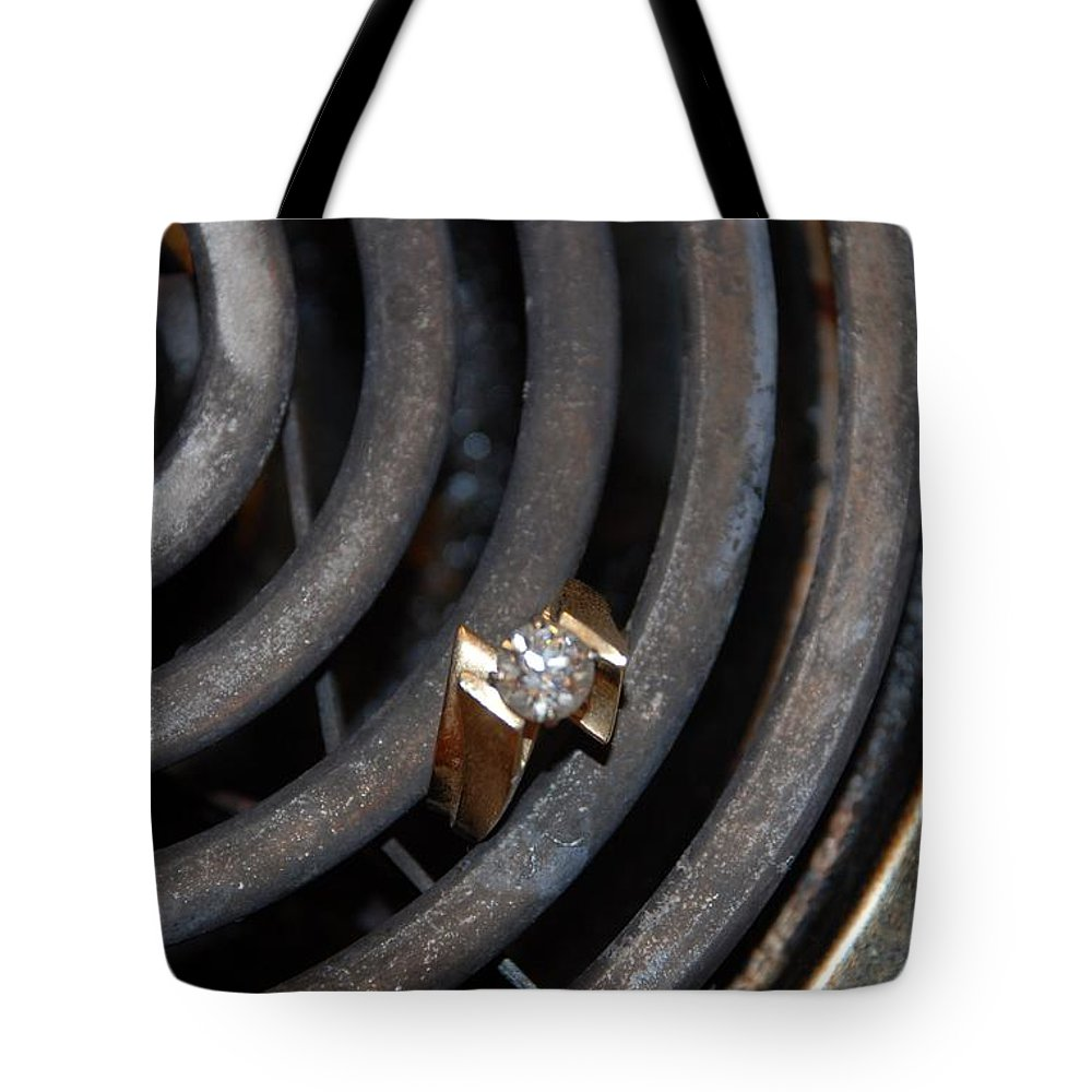 Gold Tote Bag featuring the photograph Diamond Rings by Rob Hans