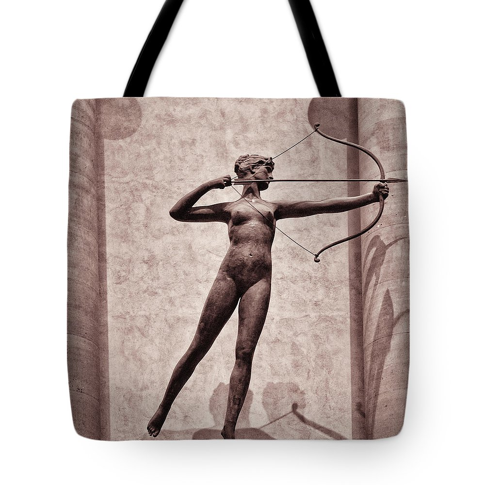 Madison Square Garden Tote Bag featuring the photograph Diana - Goddess Of Hunt by Bill Cannon