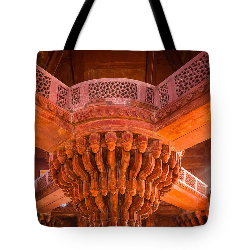 Agra Tote Bag featuring the photograph Diwan-i-khas by Inge Johnsson