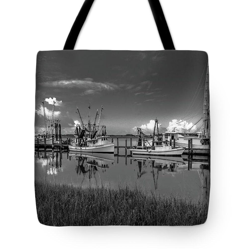 Seascape Tote Bag featuring the photograph Docked II by Ray Silva