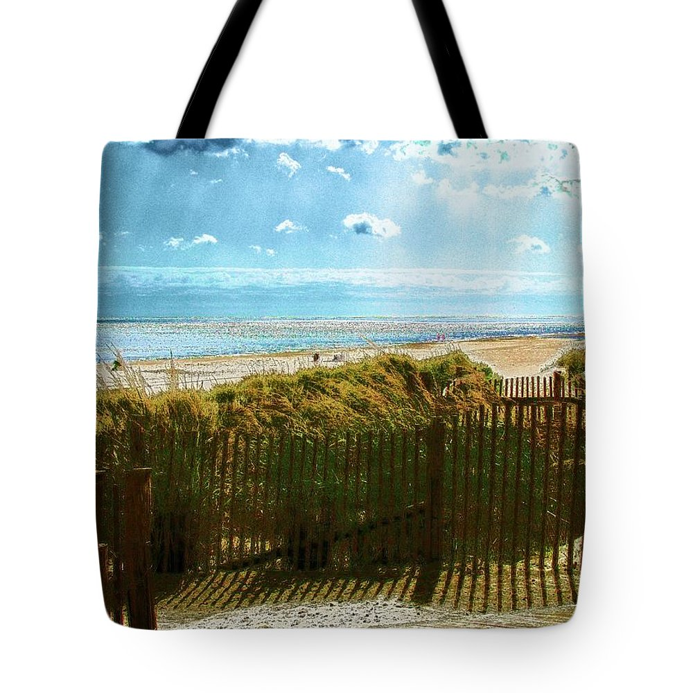 Rehoboth Beach Photography Tote Bag featuring the photograph Down To The Beach by Jeffrey Todd Moore