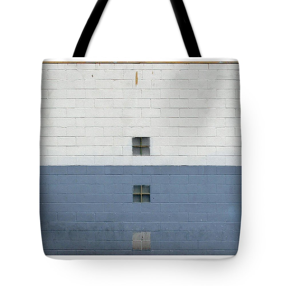 Fenestration Tote Bag featuring the photograph Downtown Palm Springs by Stan Magnan