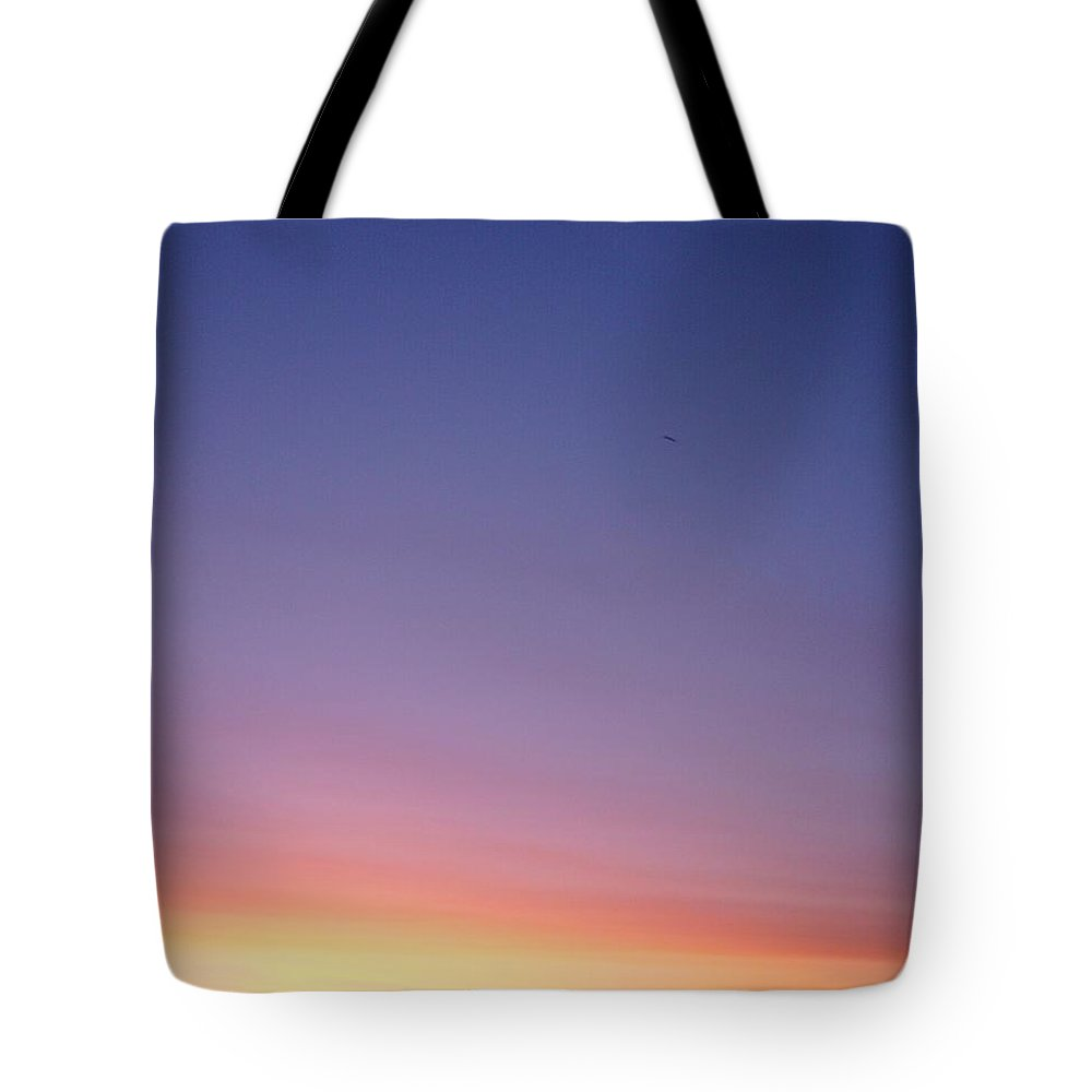 Aurora Tote Bag featuring the photograph Early Bird by Leonore VanScheidt