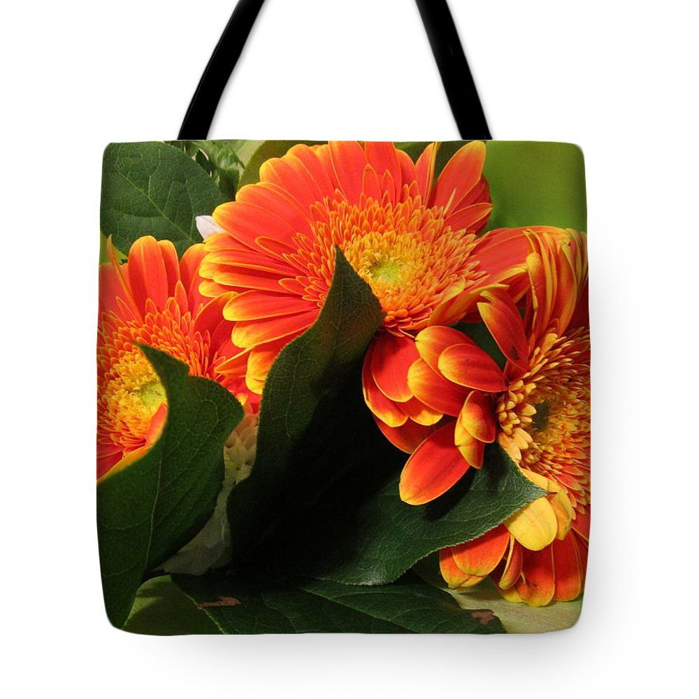 Geranium Tote Bag featuring the photograph Easterjoy For You All by Rosita Larsson