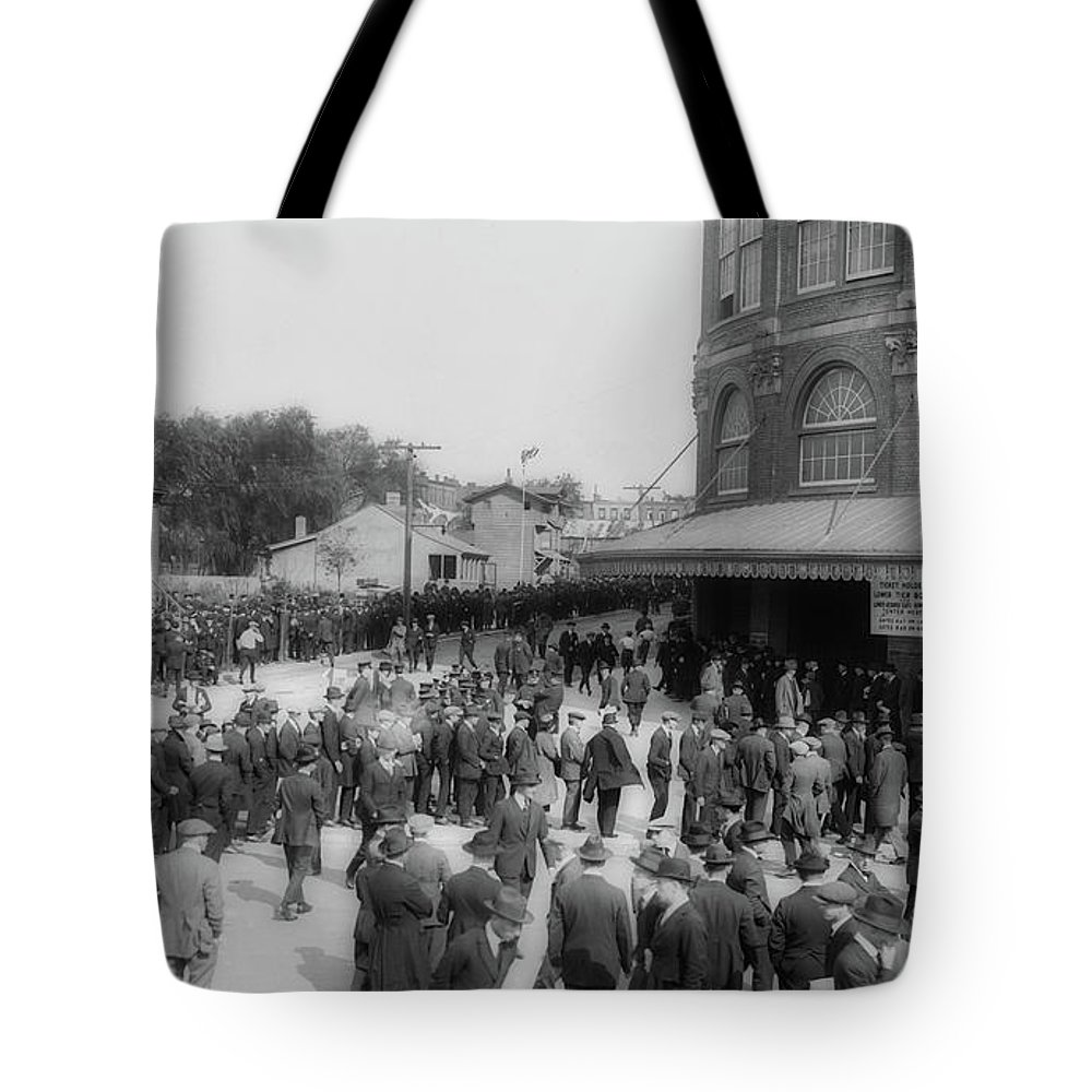 Old Photographs Tote Bag featuring the photograph Ebbets Field Crowd 1920 by Library Of Congress