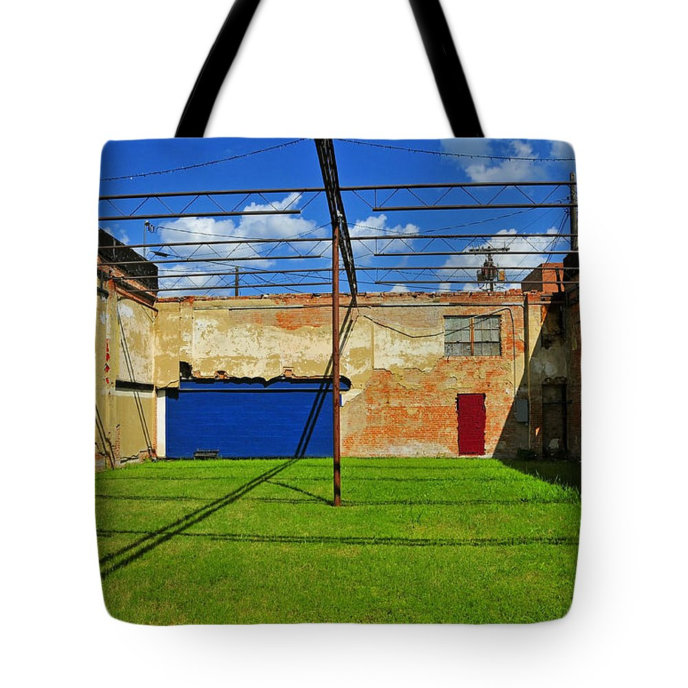 Skiphunt Tote Bag featuring the photograph Eco-store by Skip Hunt