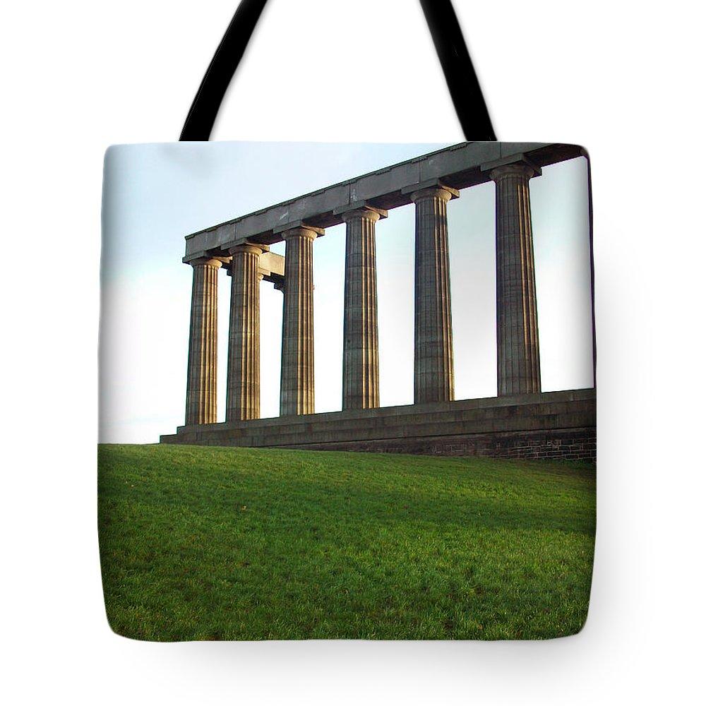 Scotland Tote Bag featuring the photograph Edinburgh - Caption Hill by Munir Alawi