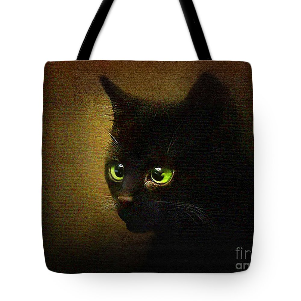 Kitten Tote Bag featuring the painting Eensy Weensy by Robert Foster