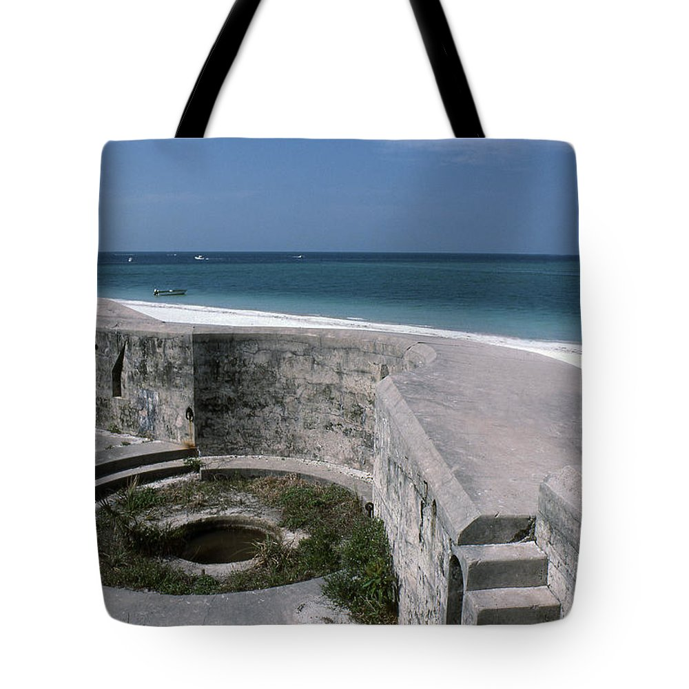 Beaches Tote Bag featuring the photograph Egmont Key by Richard Rizzo