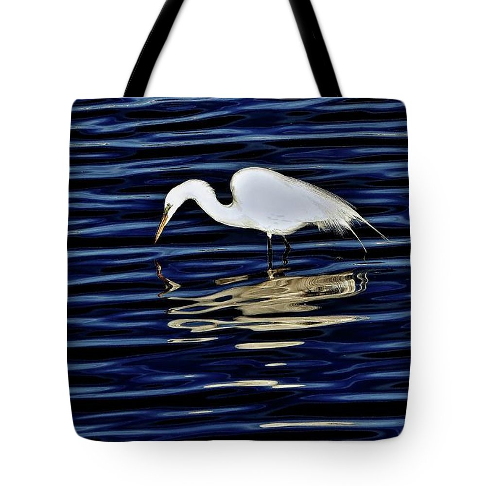 Egret Tote Bag featuring the photograph Egret In Blue by Scott Hufford