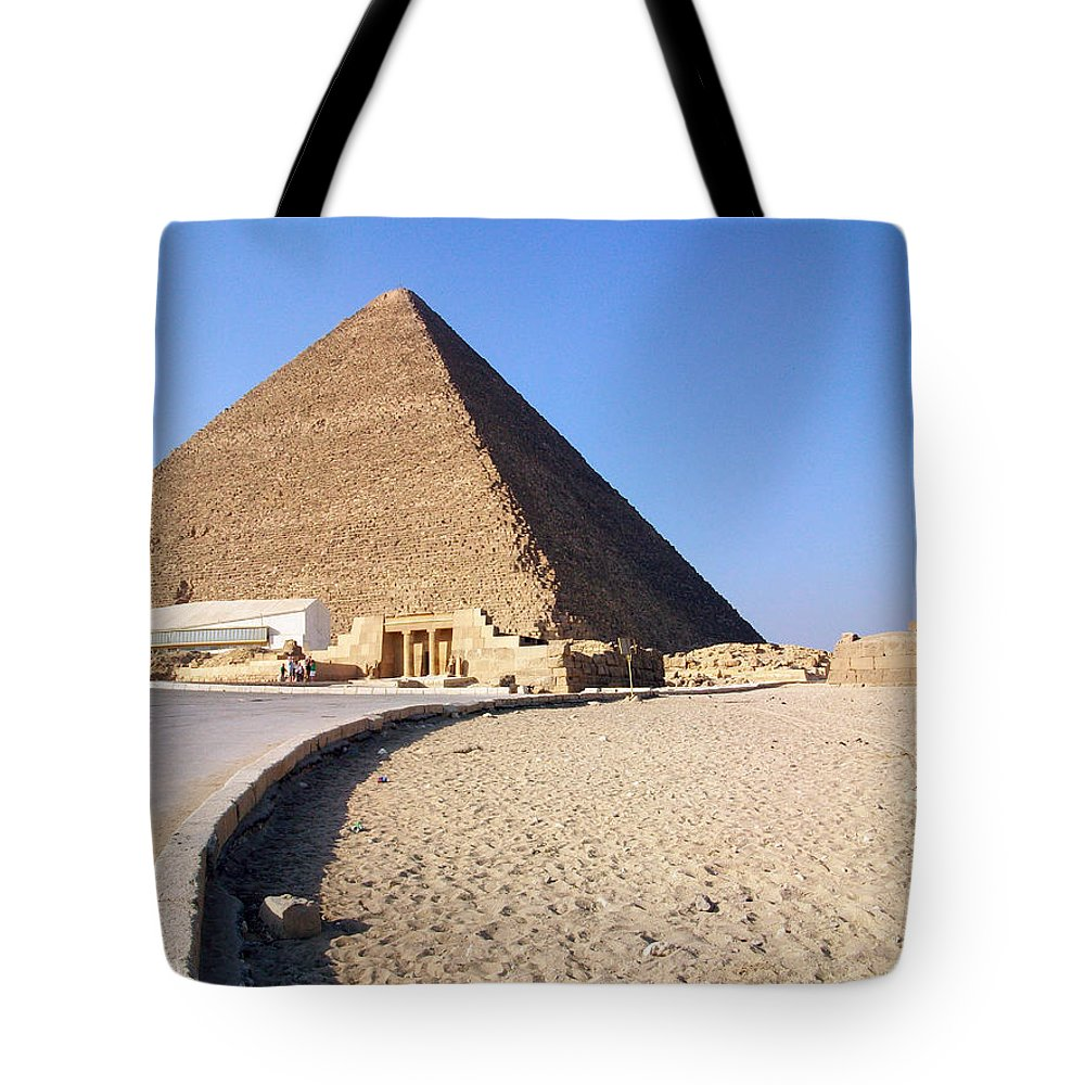 Egypt Tote Bag featuring the photograph Egypt - Way To Pyramid by Munir Alawi