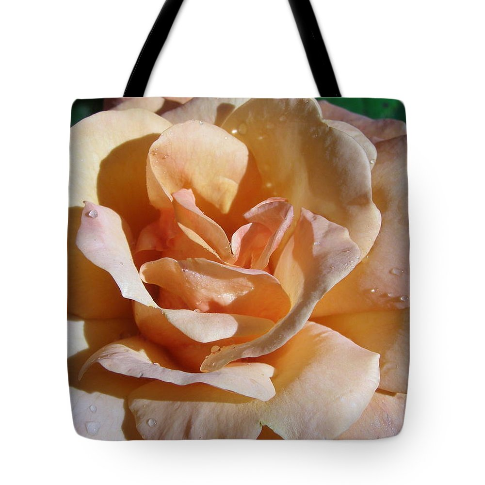 Rose Tote Bag featuring the photograph Elegant Lady by Larry Lacy