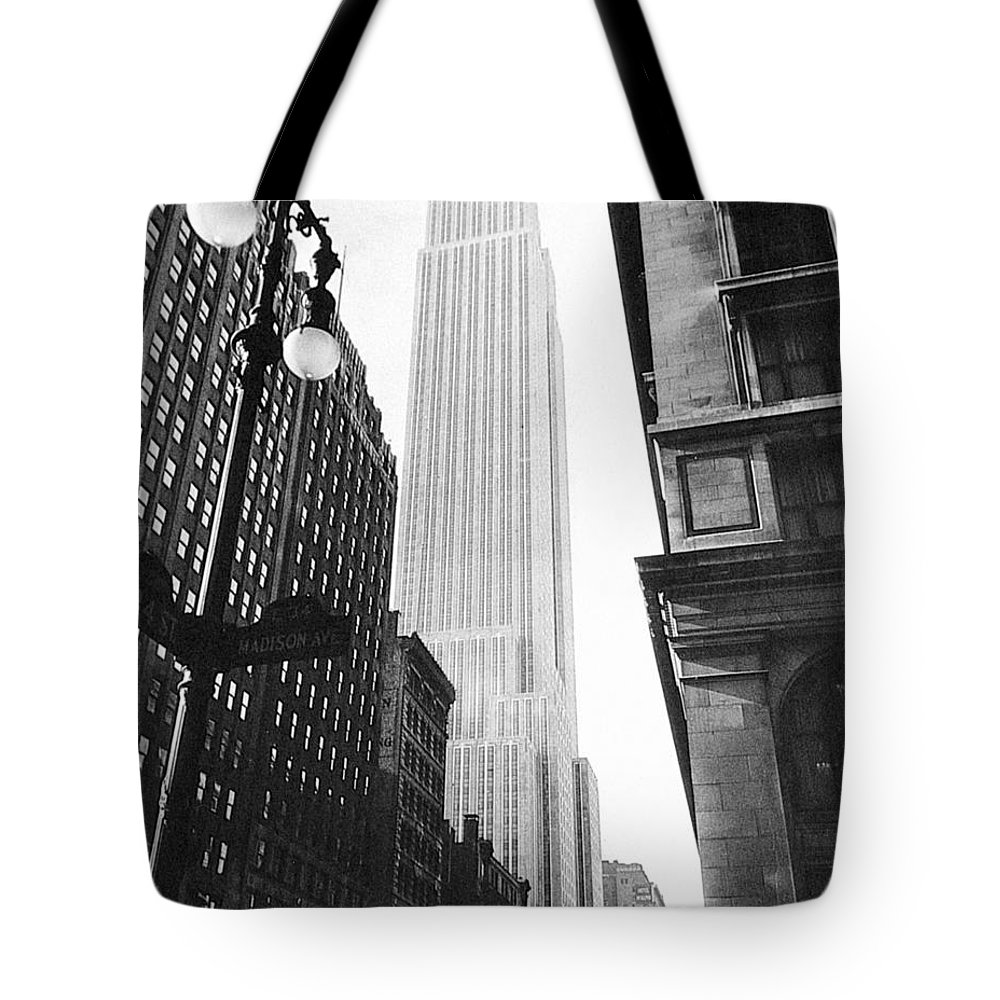 1931 Tote Bag featuring the photograph Empire State Building, 1931 by Granger