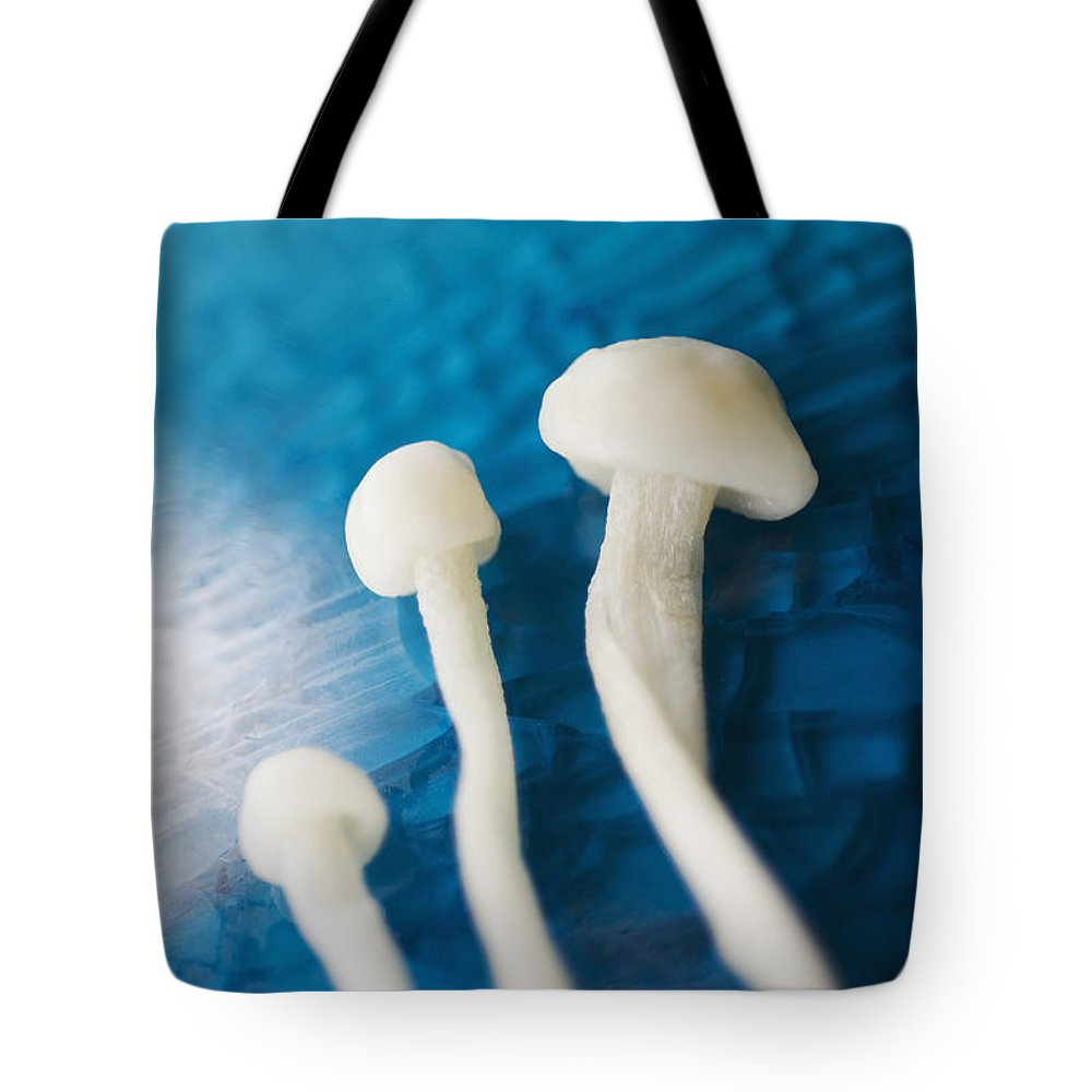 Abstract Tote Bag featuring the photograph Enokitake Mushrooms by Ray Laskowitz - Printscapes