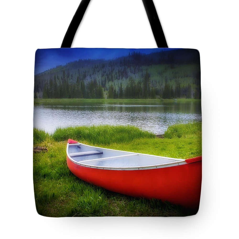 Canoe Tote Bag featuring the photograph Escape by Mark Memmott
