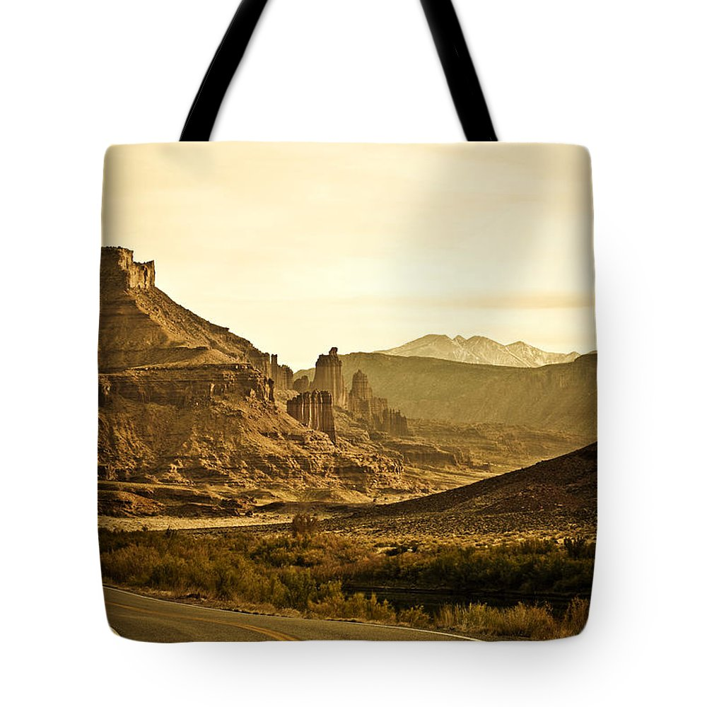 Americana Tote Bag featuring the photograph Evening In The Canyon by Marilyn Hunt