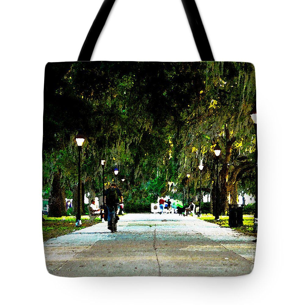 Savannah Georgia Tote Bag featuring the painting Evening In The Park by David Lee Thompson