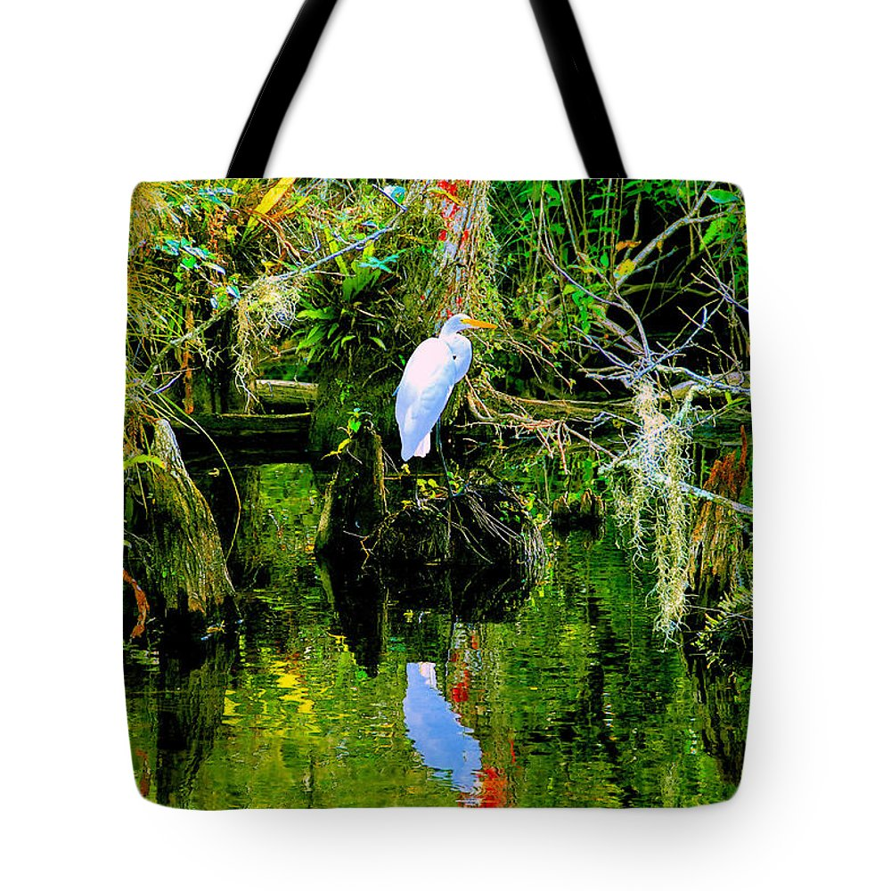 Everglades Tote Bag featuring the painting Everglades Egret by David Lee Thompson